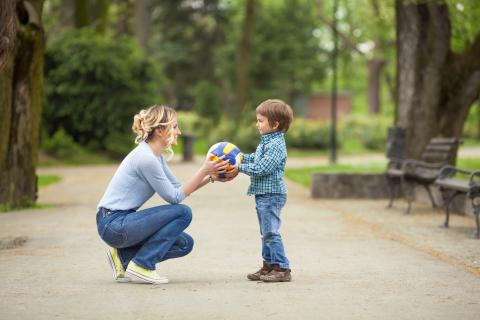 Consider these pros and cons of a 2-2-5-5 custody schedule before implementing it for your family.